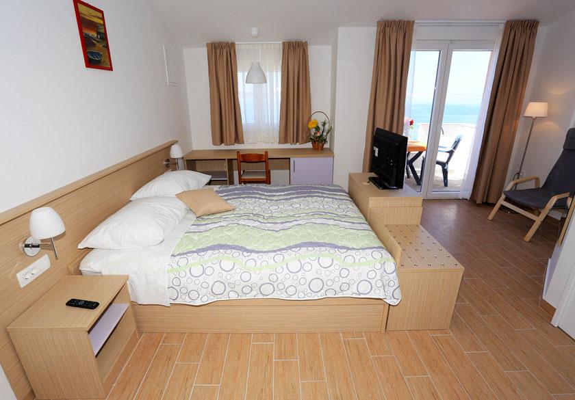 room with balcony razanac