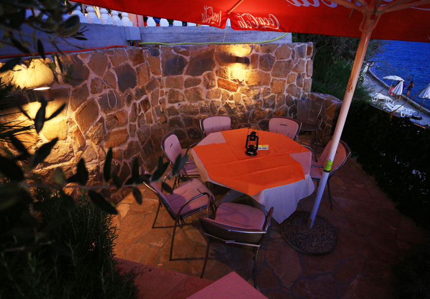 romantični restoran ražanac
